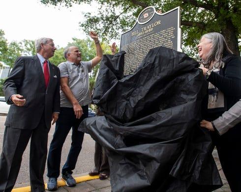 Montgomery honors world-renowned folk artist Bill Traylor